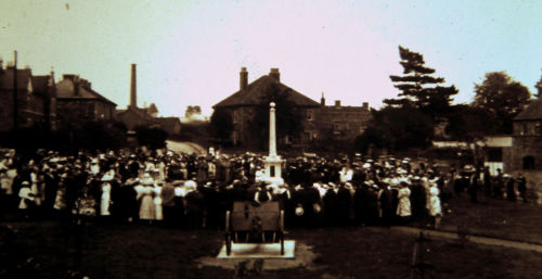 Warmley High Street War Memorial 1920